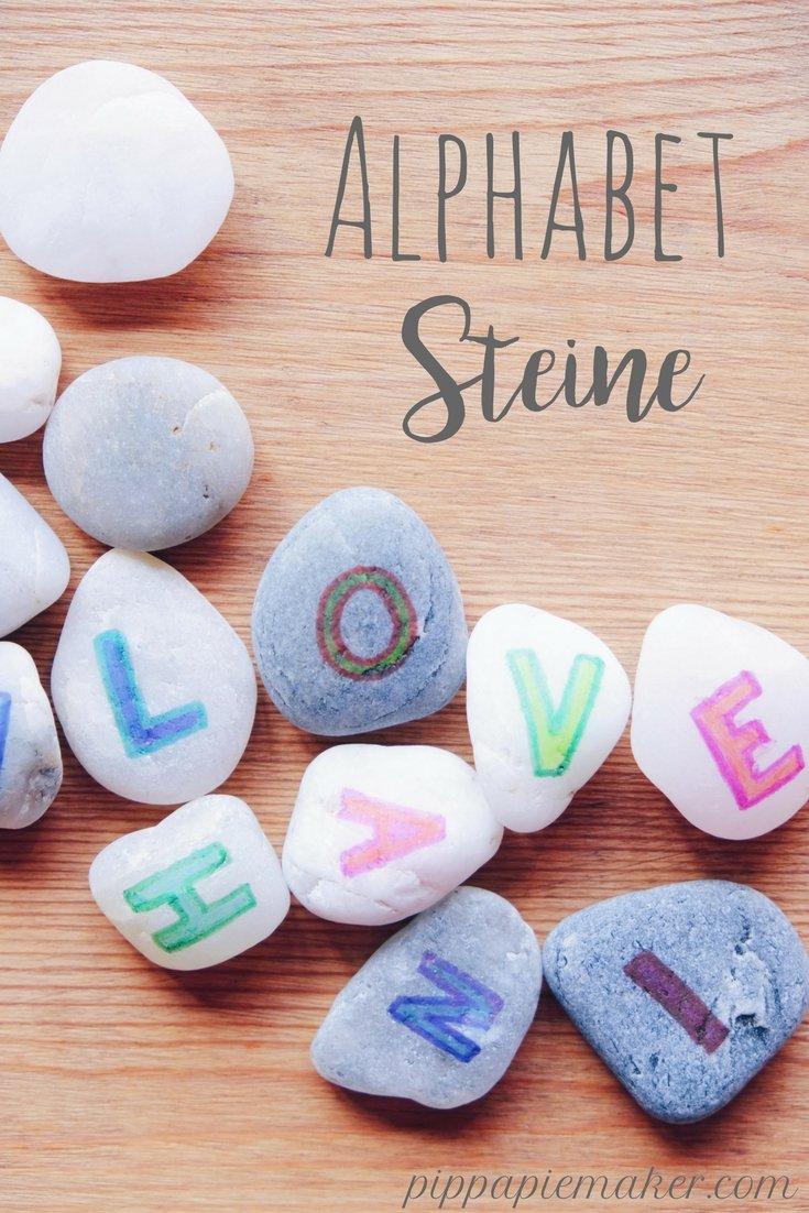 Bemalte Alphabet Steine by pippapiemaker.com