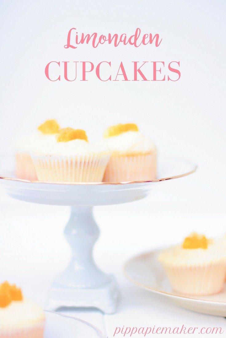 Limonaden Cupcakes sind fruchtig, süß und sommerlich. Und eine super Alternative zum Kindergeburtstag zu den ewigen Schoko Muffins. Schnell gemacht und toll vorzubereiten!